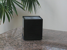 The Cube Fountain in bloack acrylic for tinnitus relief, relaxation and meditation