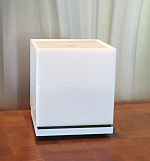 The Cube Sound Fountain in gloss white