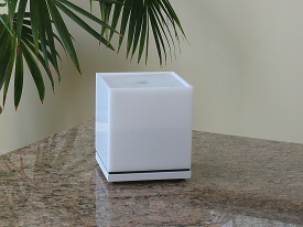 The Cube Fountain in white acrylic for tinnitus relief, relaxation and meditation
